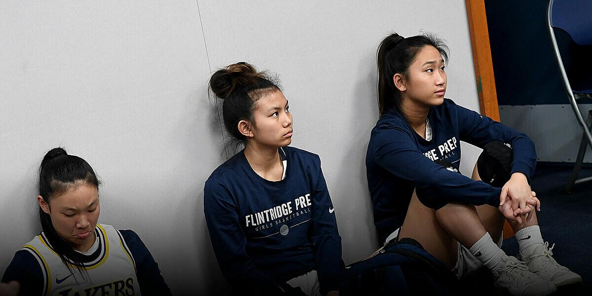 Mỗi năm Trung Quốc có gần 50.000 thanh thiếu niên nhảy dù xuống các trường trung học của Mỹ. Ảnh: Sixthtone.