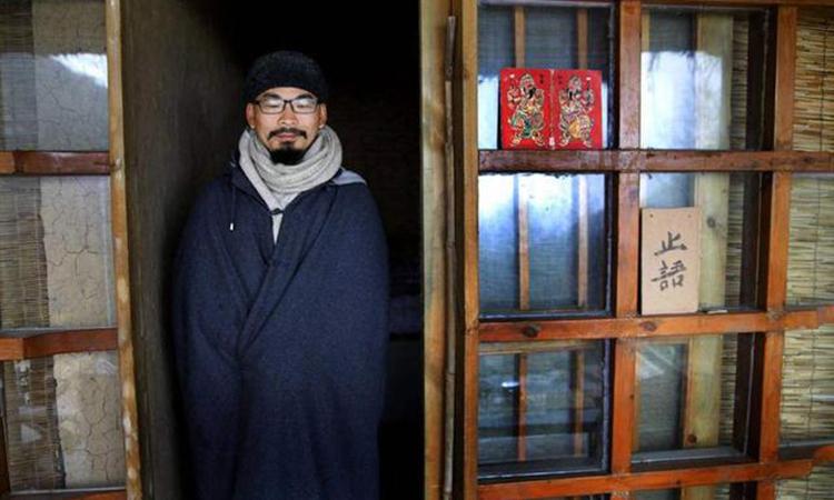 Lưu Cảnh Sùng lên núi tự tu tập vào năm 2012. Ảnh: qq.
