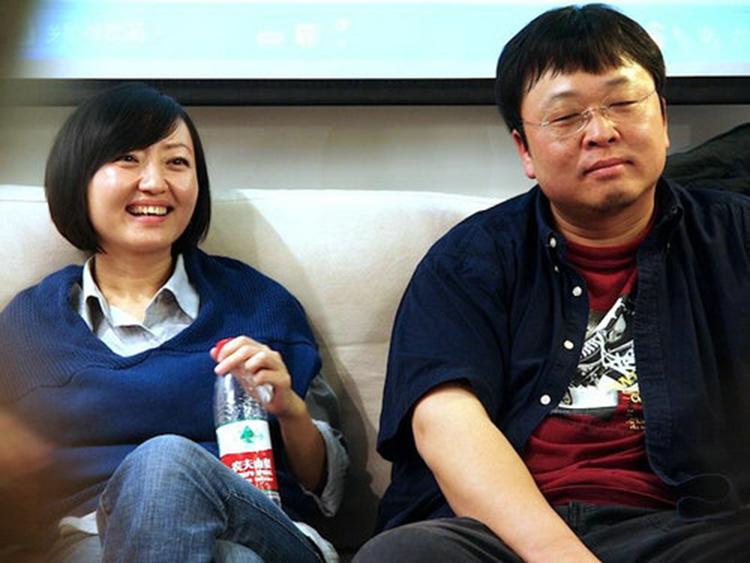 Vợ chồng nhà sáng lập hãng sản xuất điện thoại thông minh Trung Quốc Smartisan Technology Lạc Vĩnh Hạo. Ảnh: sina.