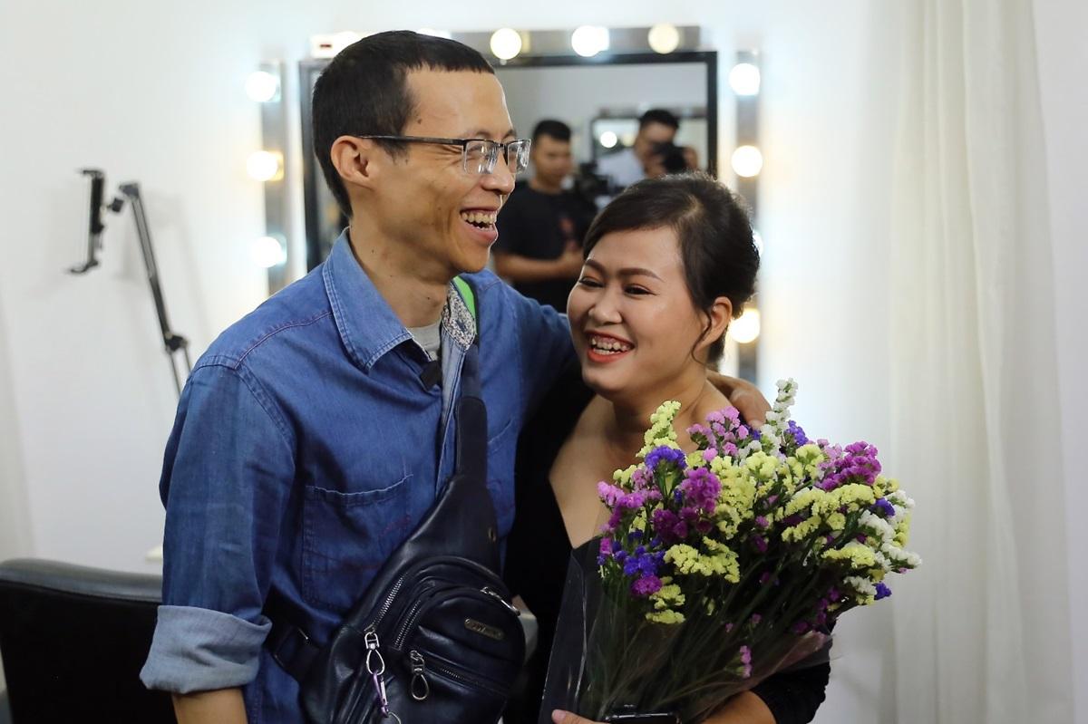 Gojek giúp chị Lâm thay đổi diện mạo và tạo nhiều bất ngờ tại sự kiện tri ân đối tác tài xế nữ dịp 20/10. Ảnh: Thái Anh
