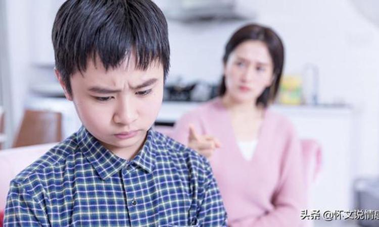 Cơn nóng giận của người mẹ ảnh hưởng sâu sắc đến tinh thần của trẻ. Ảnh: kknews.