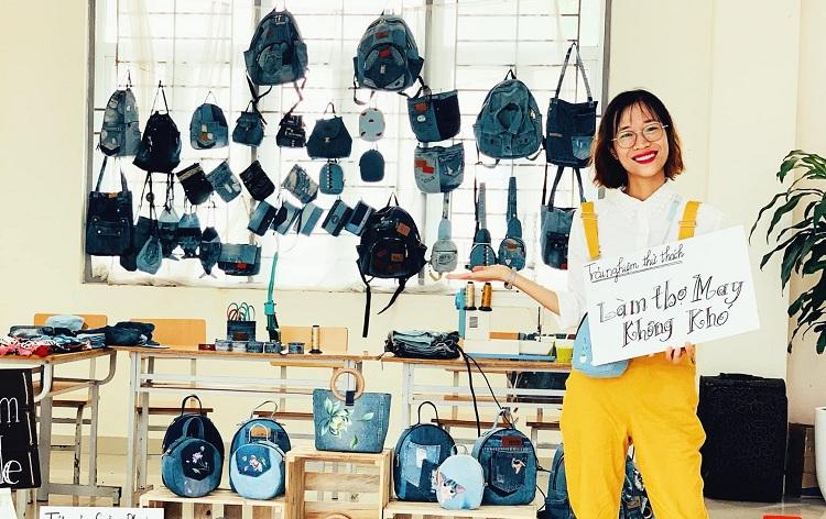 Nguyễn Thị Yến tốt nghiệp ngành Công tác xã hội, ĐH Lao động và Xã hội. Từ khi còn là sinh viên, cô đã có thể kiếm sống từ đam mê bán túi xách tự làm. Ảnh: Nhân vật cung cấp.
