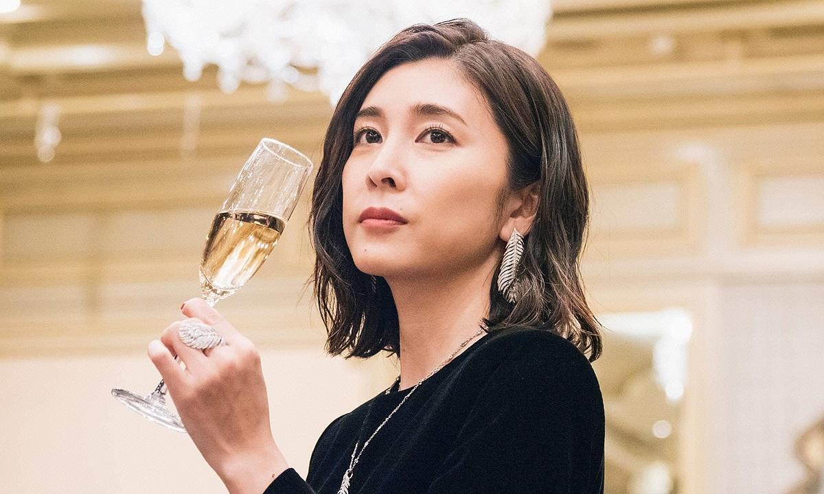 Yuko Takeuchi được mệnh danh là nữ hoàng nước mắt của phim truyền hình Nhật. Cô cũng từng gây ấn tượng với khán giả Việt Nam qua vai chính trong bộ phim Asuka. Ảnh: Fuji Tv.