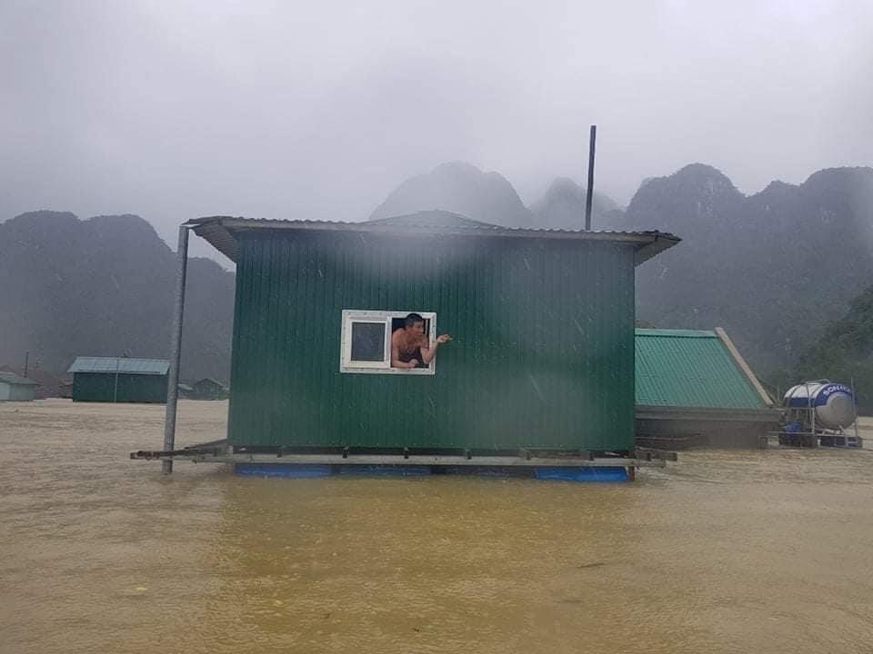 Nhà phao tại Tân Hoá (Quảng Bình) đã phát huy tác dụng trong đợt lũ vừa qua.