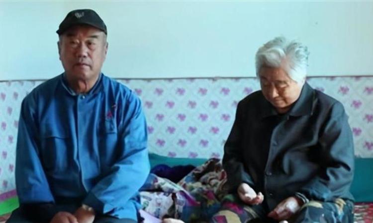 Vợ chồng ông Cao Triệu Cương và bà Lưu Ngọc Hồng ở thành phố Đại Liên chỉ mong được gặp con gái trước khi chết. Ảnh: qq.