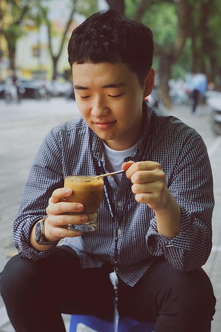 Tuấn Jeon rất thích cuộc sống ở Hà Nội. Thanh niên này mong muốn sau khi tốt nghiệp sẽ quay trở lại Việt Nam. Ảnh: Nhân vật cung cấp.