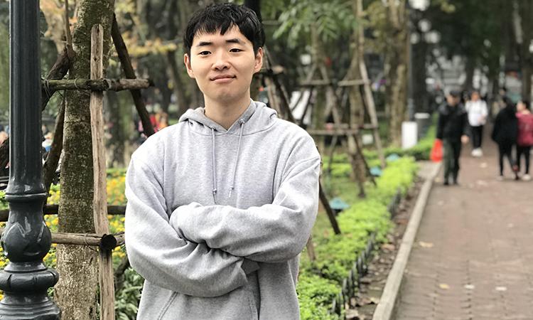 Jeon Hyong Jun (tên tiếng Việt là Tuấn Jeon) hiện đang là sinh viên năm cuối trường ĐH Sogang (Seoul). Ảnh: Nhân vật cung cấp.