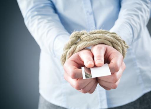 Nhiều người tỏ ra hối hận khi chọn phương án hợp nhất tài chính gia đình. Ảnh: Shutterstock.