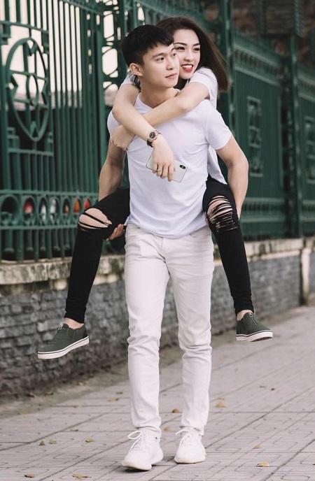 Chị Trang từng quyết tâm sẽ không lập gia đình sau một lần đổ vỡ, nhưng chàng trai kém 11 tuổi lại làm trái tim chị rung động. Sau một năm hẹn hò, trải qua nhiều biến cố, họ được về chung một nhà. Ảnh: Nhân vật cung cấp.