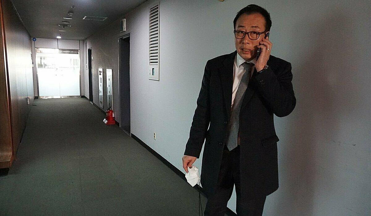 Ông Seok Jun-ho cùng vợ về Hàn nghỉ hưu sau 8 năm đạt được giấc mơ Mỹ. Ảnh: SCMP.