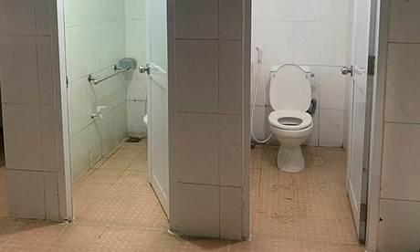 Nhà vệ sinh của 100 trẻ khuyết tật