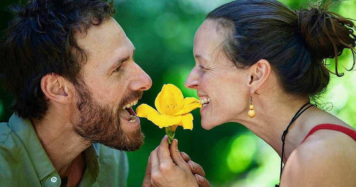 Chung quan điểm sống hoang dã, Levi Harrison và Annika Korsten đã thành vợ chồng. Ảnh: Levi Harrison.