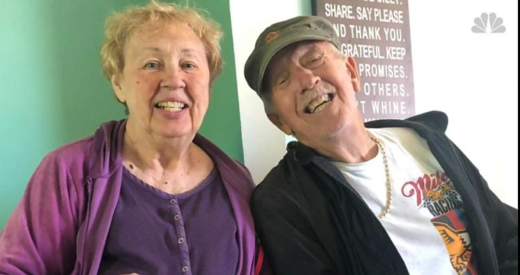 Vợ chồng ông bà Leslie và Patricia McWaters qua đời cùng ngày vì Covid-19. Ảnh: MSNBC.