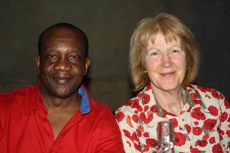 Ông Ayeh- Kumi và vợ cũ. Ảnh: SWNS.com.