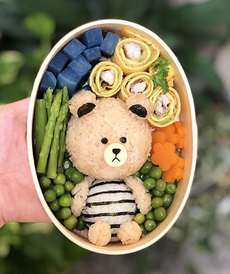 Time to make a bento box like this only takes about 15 minutes in the total time to prepare meals for Hue's family.  Photo: Character provided.