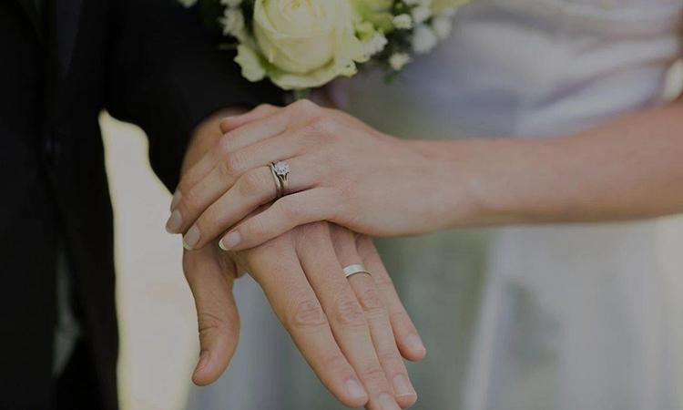 Hôn nhân hai đầu loại bỏ khái niệm độc thân và kết hôn đã được định hình từ xa xưa. Tuy nhiên cha mẹ vẫn phải có nghĩa vụ nuôi dưỡng, dạy dỗ con cái. Ảnh minh họa.