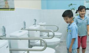 Nhà vệ sinh đặc biệt cho trẻ em khuyết tật
