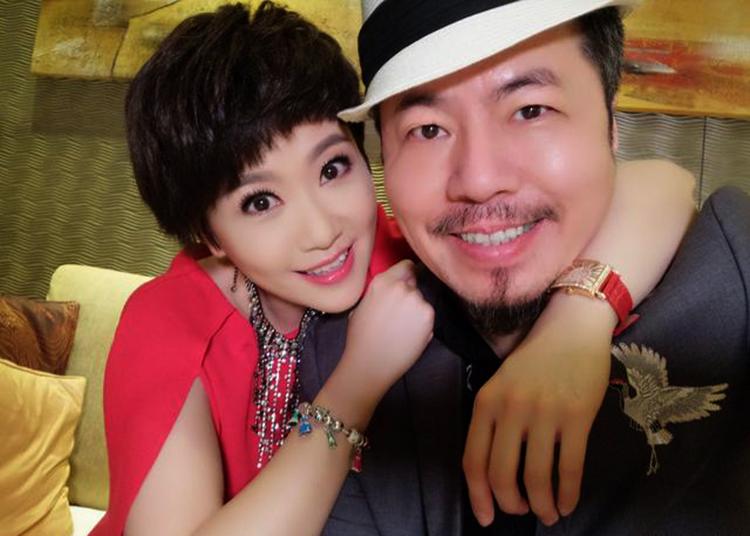 Người dẫn chương trình Nancy Kou của Đài Loan và chồng mình. Ảnh: ettoday.