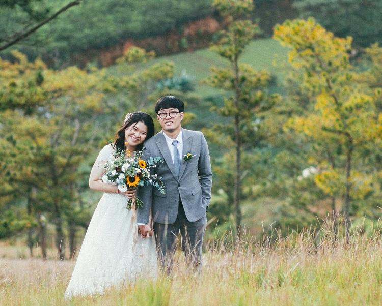 Ảnh cưới chụp tại Đà Lạt của đôi vợ chồng trẻ. Họ kết hôn sau chín tháng yêu, nhưng nhiều sóng gió. Ảnh: nhân vật cung cấp.
