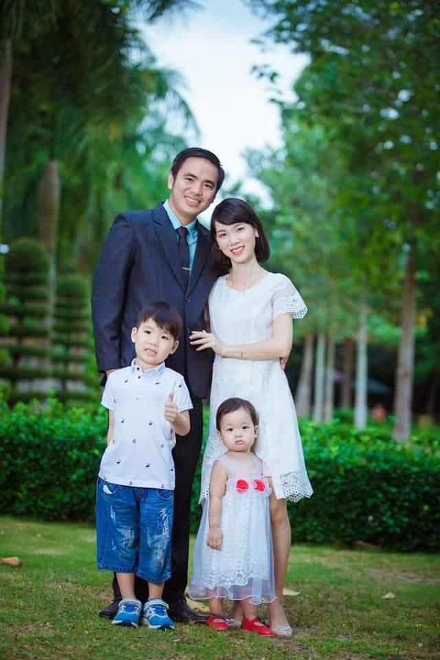 Gia đình anh Trần Tuấn Anh và chị Dương Thị Tròn. Ảnh: Nhân vật cung cấp.