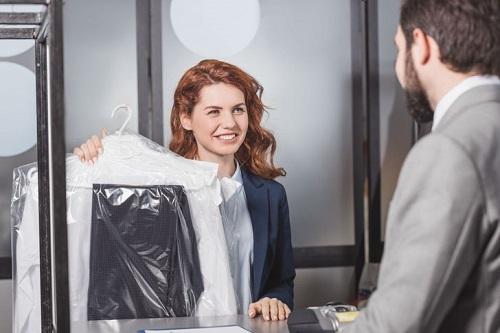 Quần áo giặt là có nguy cơ gây hại cho sức khỏe của bạn. Ảnh: Depositphotos.com.