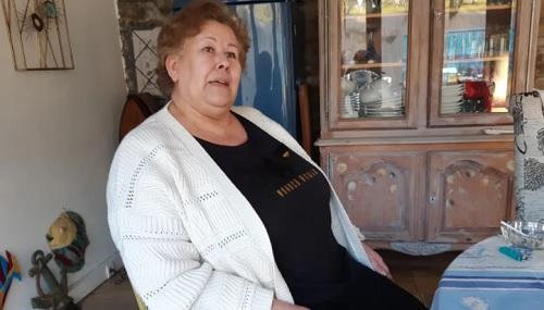 Bà Jeanne hầu như chỉ ở trong nhà vì không có giấy tờ tùy thân. Ảnh: Radio France-Tifany Antkowiak.