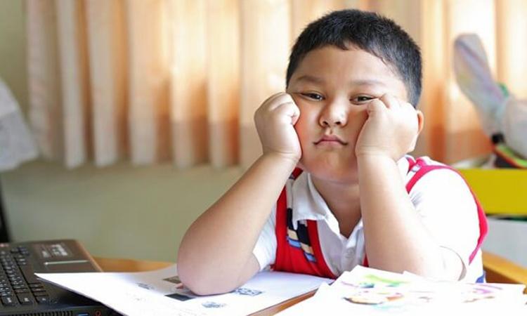 Bệnh mất tập trung ở trẻ em khá phổ biến. Loại bệnh này ảnh hưởng rất lớn đến quá trình học tập và phát triển não bộ của trẻ. Ảnh minh họa.