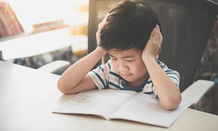 Có một thực tế, khi cảm thấy không được tôn trọng sở thích hay hành động, trẻ không những bị tổn thương trong tâm lý mà còn gây trở ngại cho khả năng tập trung. Ảnh minh họa.