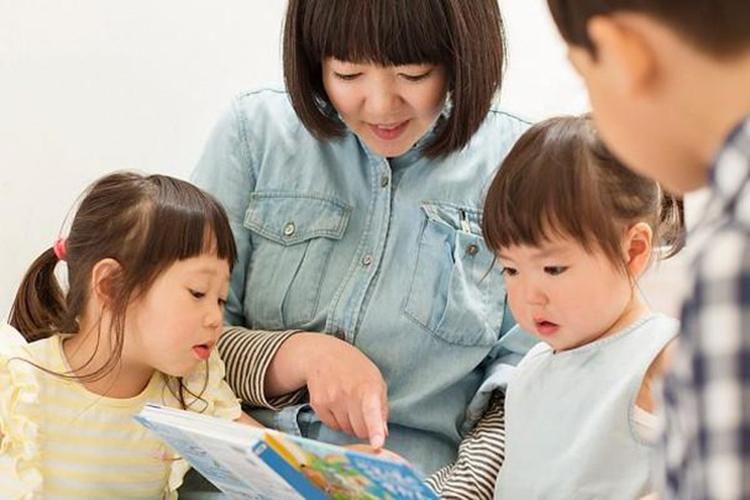 Khi con cái không nghe lời, cha mẹ thường được khuyên rằng, nên đặt ra một số quy tắc ngay từ khi chúng còn nhỏ, như thế việc dạy dỗ sẽ phần nào dễ dàng hơn. Ảnh minh họa
