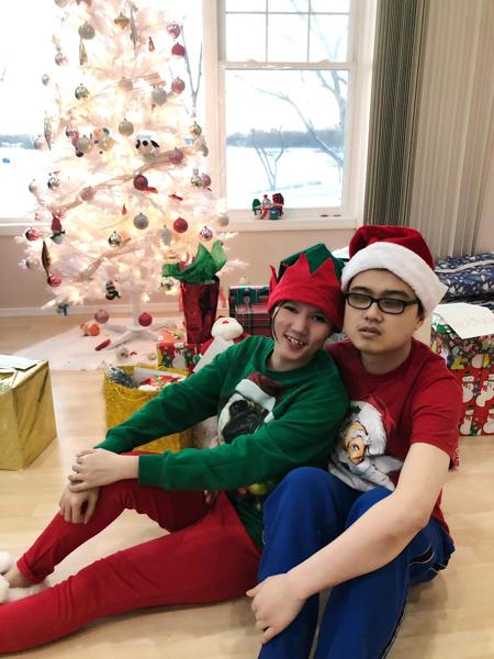 Quỳnh Trâm và chồng trong lễ Noel năm 2020. Ảnh: Nhân vật cung cấp.