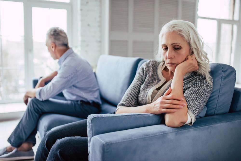 Grey Divorce (Ly hôn tuổi trung niên) đang là hiện tượng ở nhiều quốc gia. Ảnh: Psychology Today.