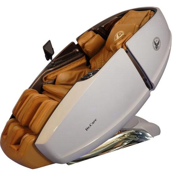 Ghế massage phi thuyền vũ trụ SS 919X giảm 269.000.000đ(- 46 %)Kích thước :    (mm) 1725 x 940 x 1140đúc bằng sợi composite sẽ rất dẻo dai, Công nghệ sơn 6 lớp, với 5 lớp sơn chính và một lớp sơn phủ bóng bảo vệ, bên trong ghế 919X được trang bị 2 bộ máy massage 4DX2 – Dual Cores tân tiến nhất của Dr.Care tại Mỹ (2 máy trong 1 ghế), 2 máy massage 4DX2 có tổng cộng là 8 tay đấm, tương đương với 4 người xoa bóp đấm lưng cùng lúc. Công nghệ này giúp tăng gấp đôi hiệu quả massage, giúp tiết kiệm thời gian, giảm đau nhức nhanh hơn gấp 2 lần so với ghế massage chỉ có 1 bộ máy.Loa Nghe nhạc hạng sang chính hãng Dr.Care của Mỹ.Màn hình điều khiển cảm ứng 8 inch không dây, rất hiện đại và tiện lợi.Khay sạc nhanh iphone, sạc không dây và núm vặn điều khển 1 chạm trên ghế massage phi thuyền vũ trụ 919X.Giao hàng miễn phí toàn quốc. Được quyền đổi trả 14 ngày sau khi mua hàng, cho dù bất kỳ lý do gì và không tốn bất kỳ chi phí khấu hao nào.