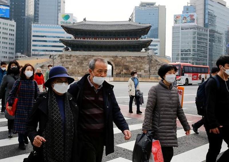 Khu vực thủ đô Seoul vẫn là nơi thu hút người trẻ Hàn Quốc với mong ước đổi đời. Ảnh: Reuters.
