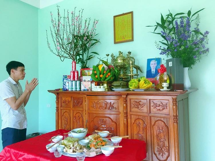 Mâm cơm tất niên sáng 30 Tết của gia đình anh Đông. Ảnh: Nhân vật cung cấp.