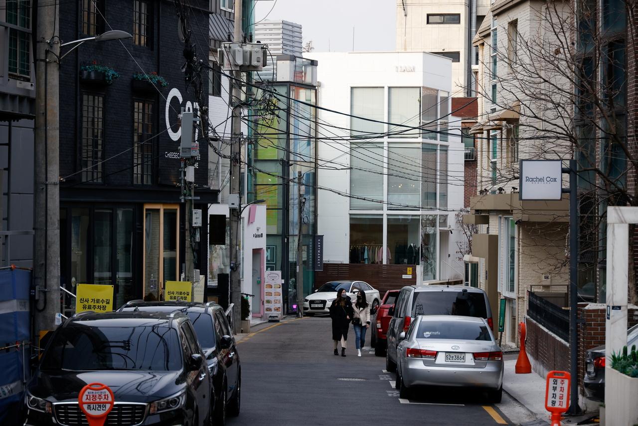 Người Hàn Quốc nổi tiếng vì nhạy cảm với tiếng ồn phát ra từ hàng xóm ở tầng trên. Ảnh: Reuters.