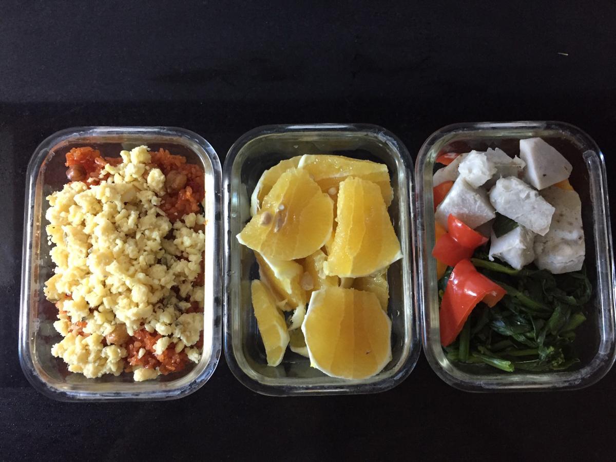 Bữa ăn hàng ngày của Hương đảm bảo đủ 4 nhóm chất đường bột, đạm, béo và chất xơ, vitamin & khoáng chất. Ảnh: Nhân vật cung cấp.