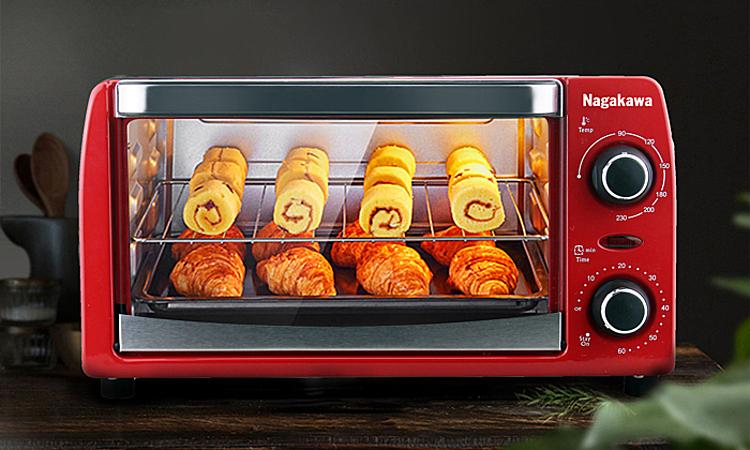 Lò nướng điện đa năng Nagakawa NAG3210 dung tích 10 lit sử dụng công nghệ nướng halogen với hai thanh nhiệt đối xứng giúp truyền nhiệt nhanh, nướng chín đều, tiết kiệm điện. Giá để thực phẩm bằng thép không gỉ. Vỏ ngoài bằng kim loại sơn tĩnh điện.  Mặt kính chịu nhiệt dễ quan sát thực phẩm. Núm xoay giúp hẹn giờ tới 60 phút và điều chỉnh nhiệt độ từ 0 - 230 độ C. Giá niêm yết 981.000 đồng, nhân dịp sinh nhật thương hiệu ưu đãi còn 359.000 đồng thời tặng hộp 10 khẩu trang vải kháng khuẩn.