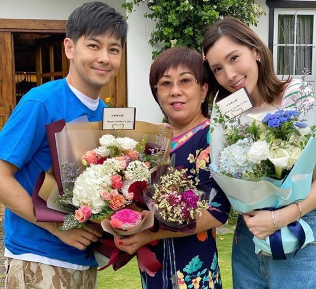 Diễn viên Đài Loan Lâm Chí Dĩnh cùng vợ và mẹ đẻ. Ảnh: qq.