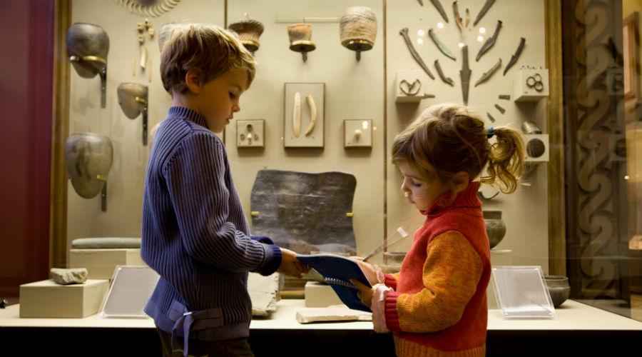 Bảo tàng là một trong những địa chỉ hữu ích cho việc nuôi dưỡng mơ ước, sự tò mò và niềm yêu thích khám phá của trẻ nhỏ. Ảnh: Napolike.