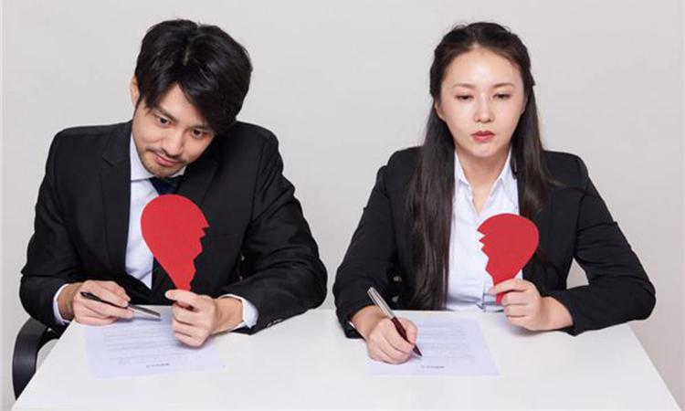Người đàn ông viết lá thư nghĩ rằng, sau khi ly hôn, anh ta không còn phải nghe tiếng cằn nhằn và khuôn mặt cau có của vợ. Ảnh minh họa. Nguồn: Shutterstock