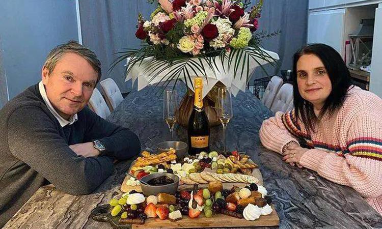 Noel  không quên chuẩn bị những điều bất ngờ cho vợ vào ngày lễ tình nhân và ngày cưới, tạo nên khoảng thời gian riêng tư cho hai người. Ảnh: Sky News.