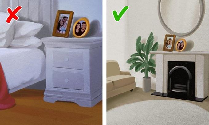 Nên để ảnh gia đình ở phòng khách thay vì phòng ngủ. Ảnh minh họa: Brightside.