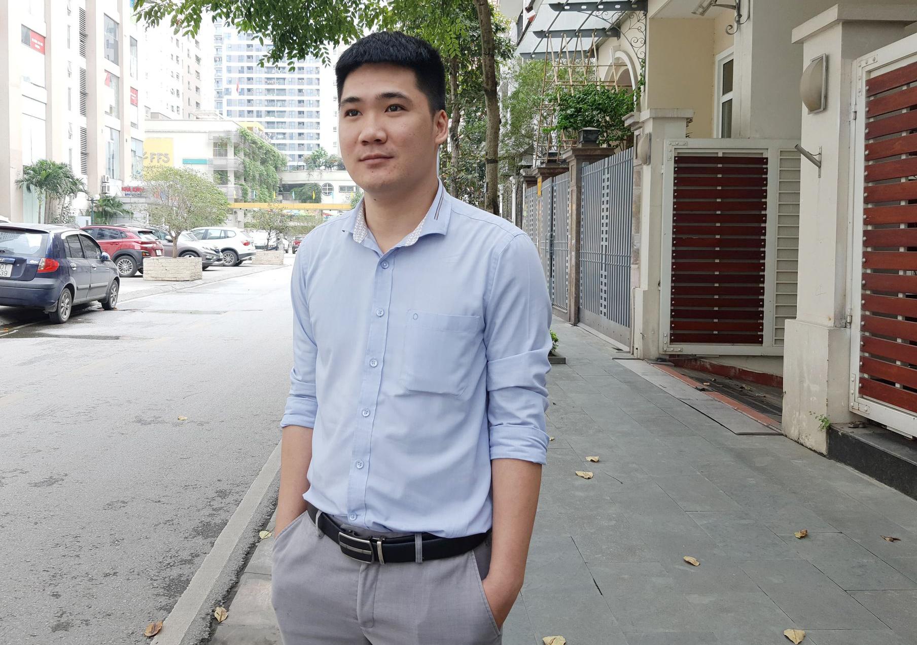 Anh Lê Kim Tuân - tư vấn viên của Viện nghiên cứu Tâm lý người sử dụng ma túy (PSD). Ảnh: Phạm Nga.