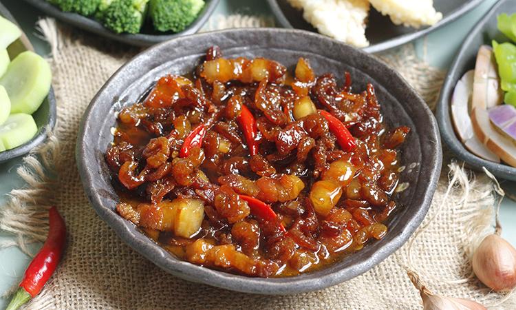 Món ăn dân dã này ăn kèm rau củ luộc, cơm cháy đều rất ngon. Ảnh: Bùi Thủy.