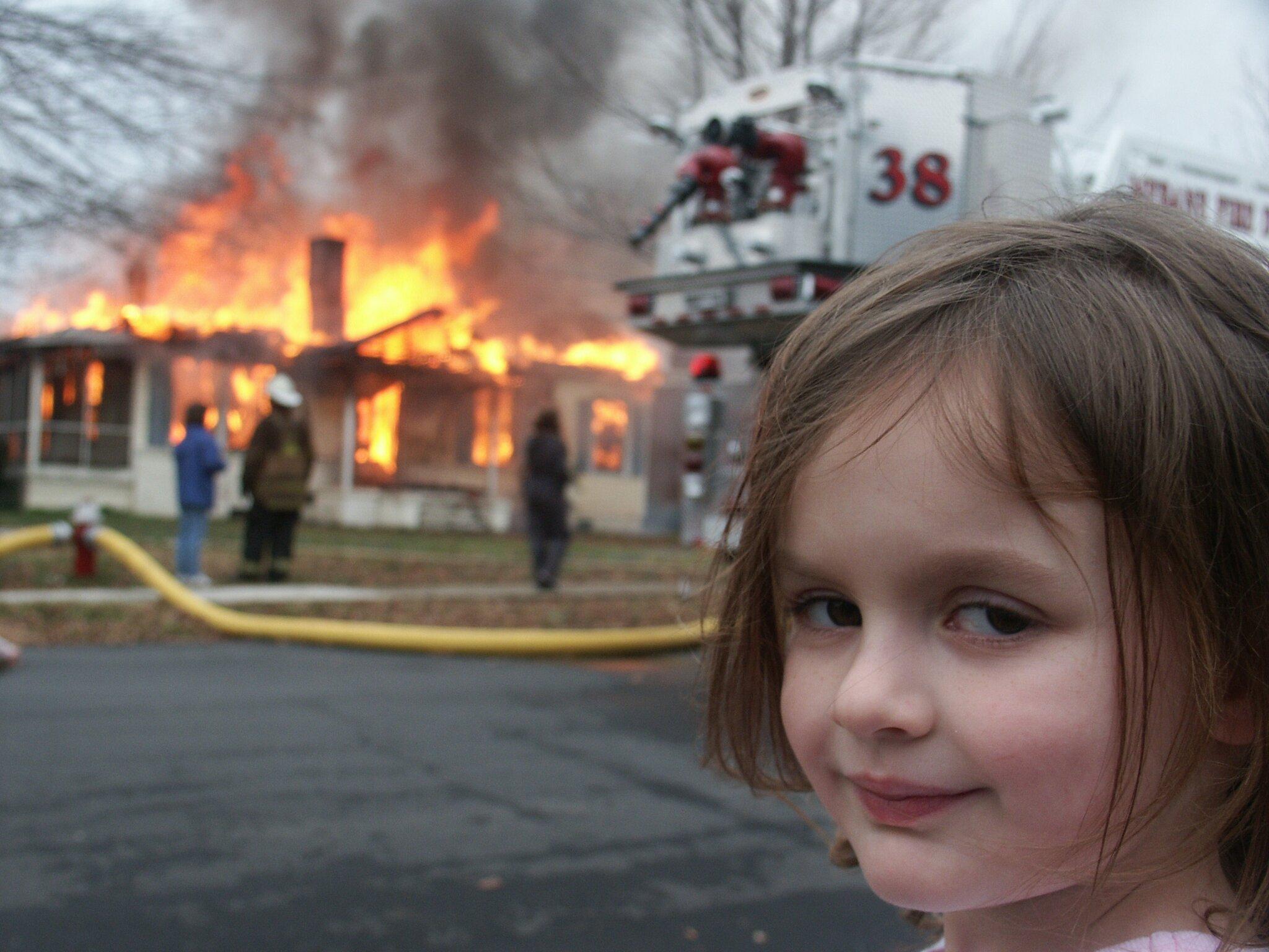 Bức ảnh khiến Zoe trở thành cô bé thảm họa. Ảnh: Dave Roth.
