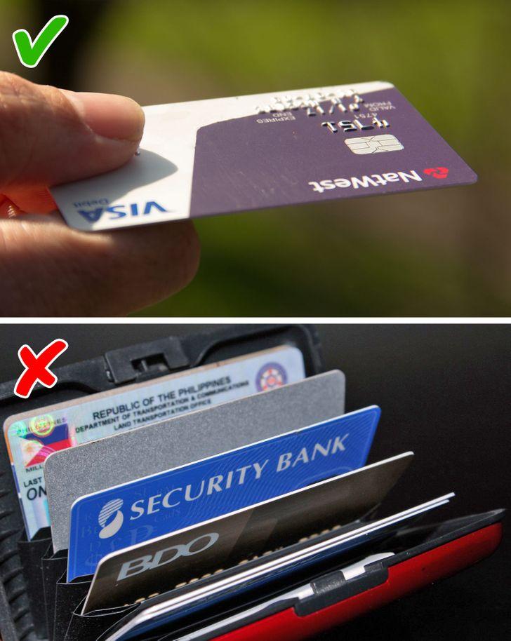 Việc dùng nhiều các tài khoản tiêu trước, trả sau sẽ khiến bạn gặp phiền toái về tài chính. Ảnh: Brightside.
