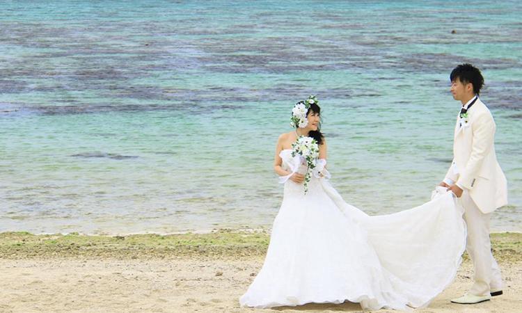 Cặp đôi tổ chức hôn lễ vào cuối tháng 2/2021 sau 7 năm bên nhau. Ảnh: cressonvoyage.com