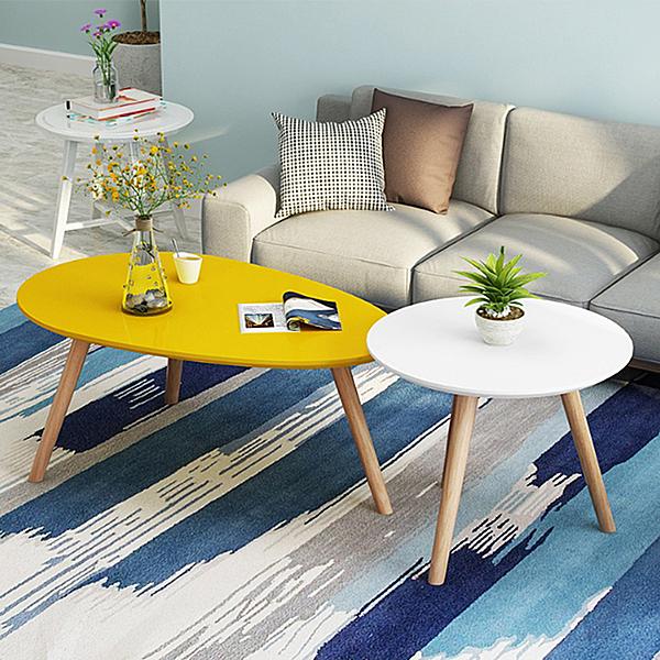 Combo bàn trà sofa chân gỗ sồi giảm 24% còn 470.000 đồng; kích thước gờm một bàn trứng rộng 50 cm - dài 90 cm - cao 42 cm và một bàn tròn rộng 50 cm - cao 45 cm. Chất liệu mặt bàn sản xuất từ gỗ MDF phủ melamin chống xước, chống nước, bề mặt sáng bóng.