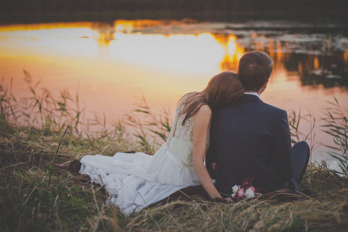 Kết hôn không phải để chứng minh với ai đó bạn ổn. Ảnh: