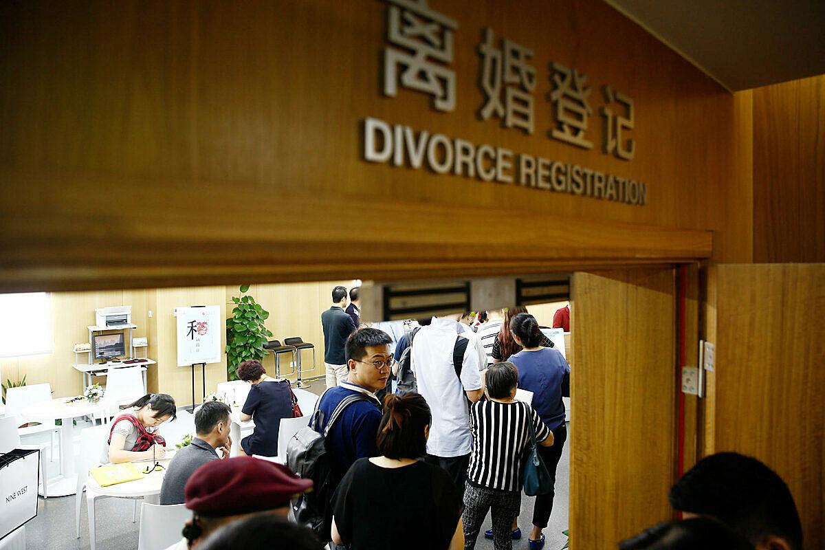 Quyết định bác đơn ly hôn của người đàn ông bị cắm sừng gây ra cuộc bàn luận sôi nổi trên mạng xã hội Trung Quốc. Đa số ý kiến cho rằng một cuộc hôn nhân như vậy còn gì nữa mà cứu vãn. Ảnh: SCMP.